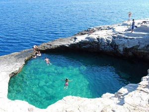 thassos-natural-pool
